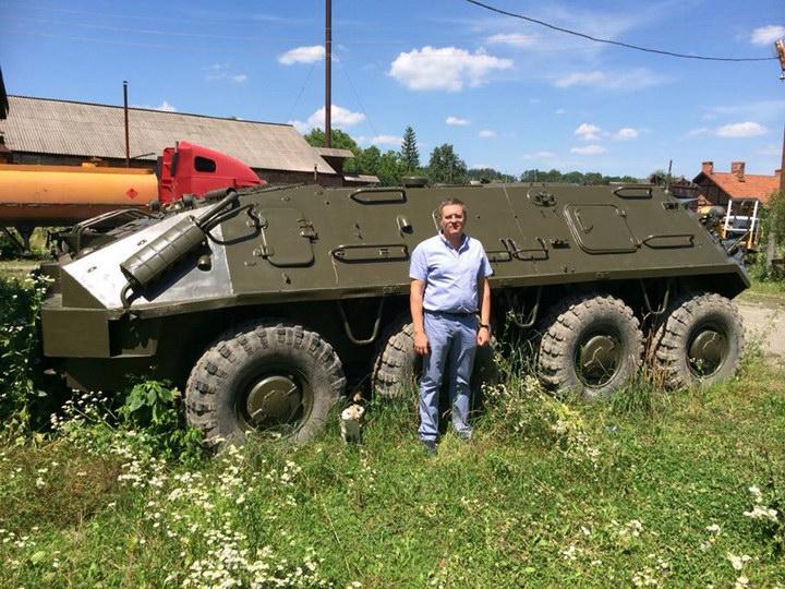 Коломиянин Роман Бортейчук подарував армійцям БТР