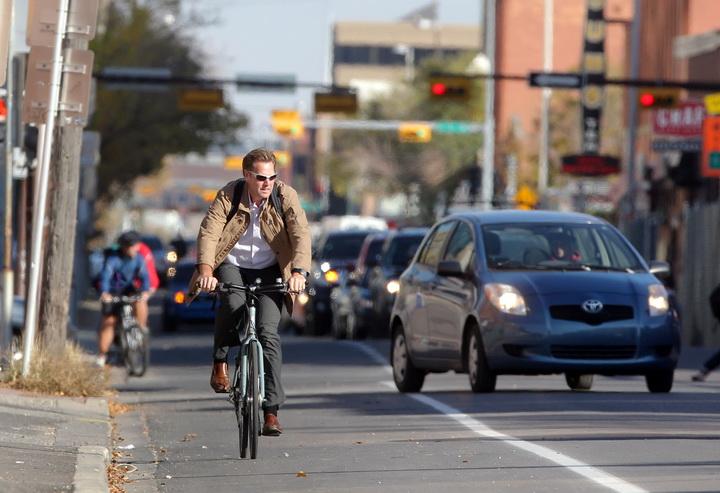 Авто-вело: від ненависті до…