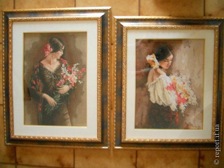 Вишита картина «Іспанка» (зліва). Виглядає дійсно 5af91dc7cfc09