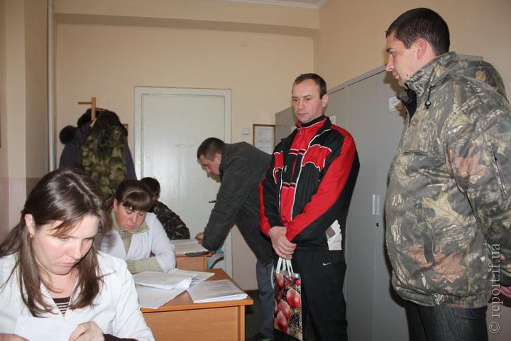 Мобілізація у Франківську. Як призовники проходять медкомісію