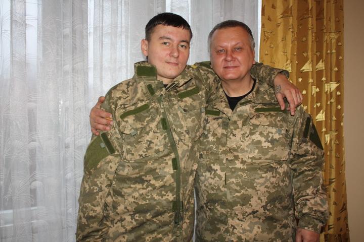 Корінні кримчани розповіли, що воюють на Донбасі за Крим