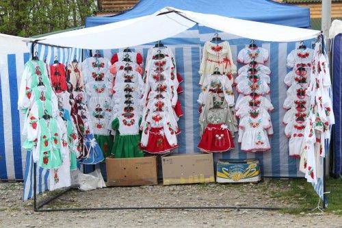 Для найменших у Коломиї теж чималий вибір вишиванок
