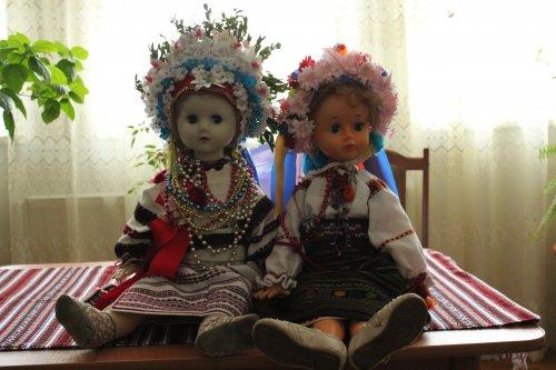 Ляльки у народних строях роботи пані Катерини