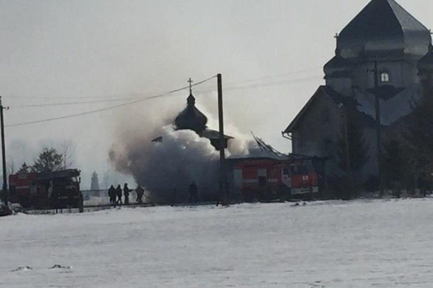 На Калущині загорілася дзвіниця. ФОТО 2