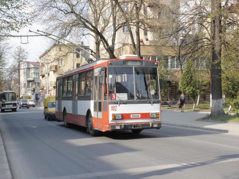 """Через аварію на лінії, без тролейбусного сполучення перебувають """"Каскад"""" та Хриплин"""