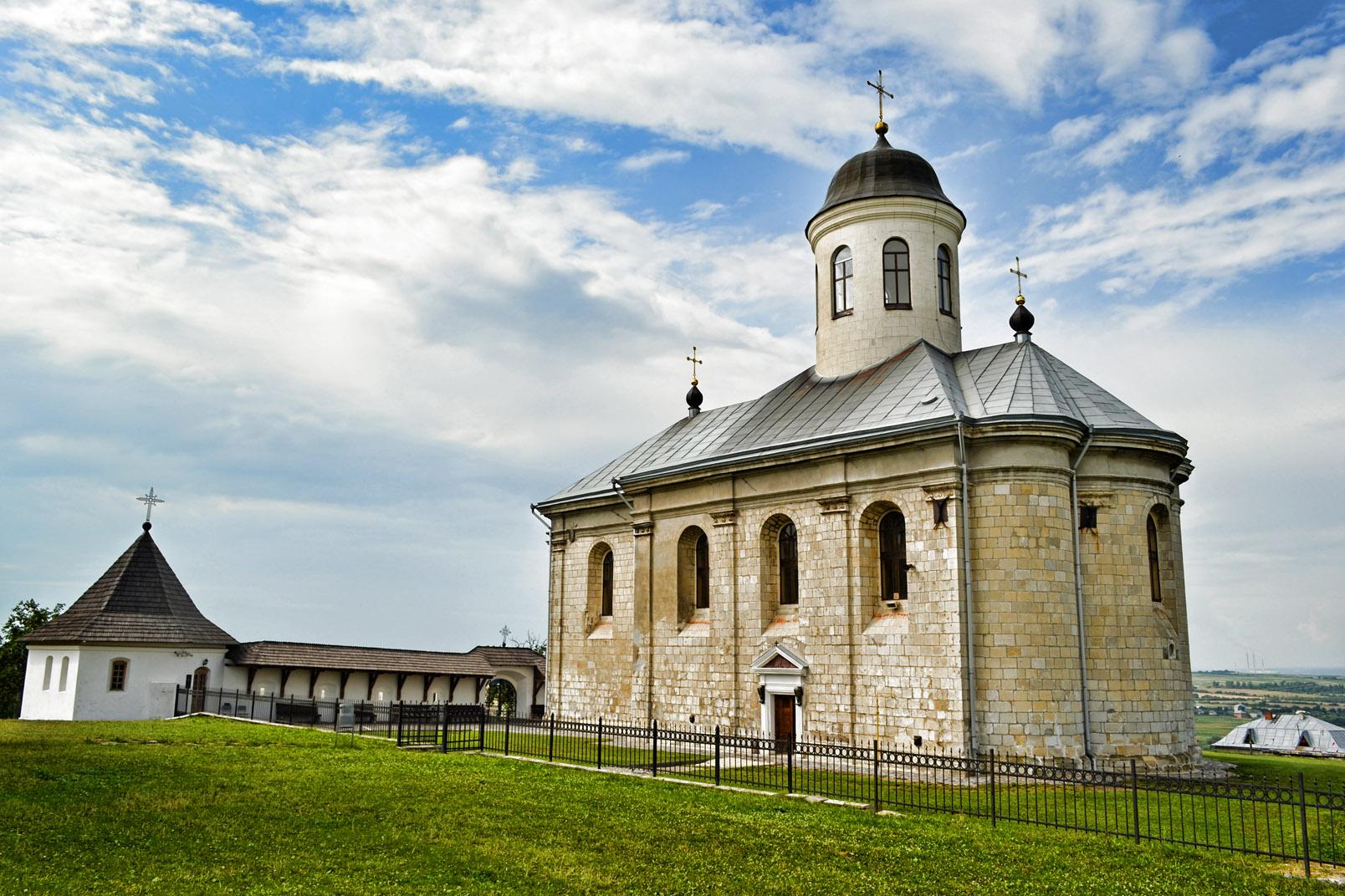 На Прикарпаті проходить музеєфікація фундаменту Галицького Успенського собору (відеосюжет)