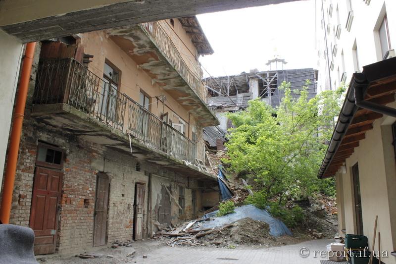На Івано-Франківщині 1,5 тисячі людей проживають в аварійних будинках