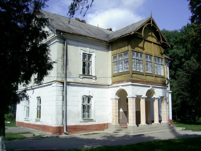 У радянські часи у палаці Дідушицьких спершу був райком, а потім обласний психоневрологічний санаторій