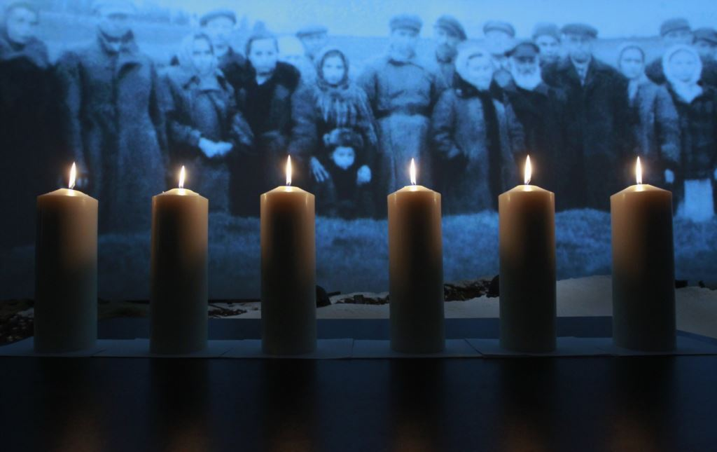 Франківцям презентують книгу, в якій рокзривається тема голокосту євреїв Прикарпаття