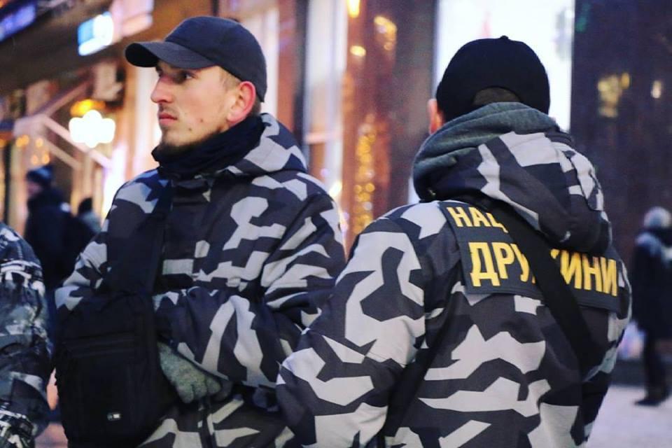 """У Франківську, під час сутичок із """"Нацдружинами"""" Авакова, постраждав журналіст"""