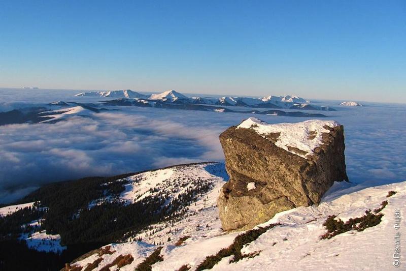 Карпати – то наші гори. Неймовірний світанок на горі Попіван Чорногірський (фото)