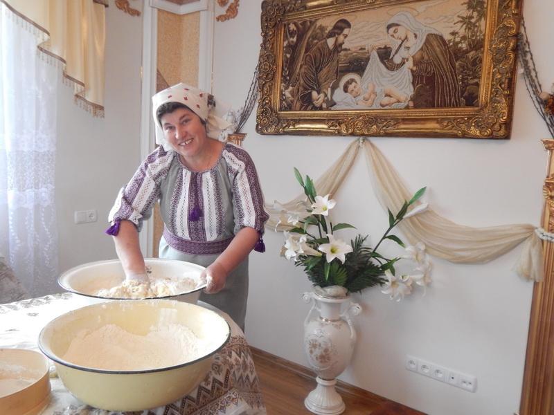 Як Ганна Василик з Коломийщини стала мамою для всієї 10 бригади (фоторепортаж)