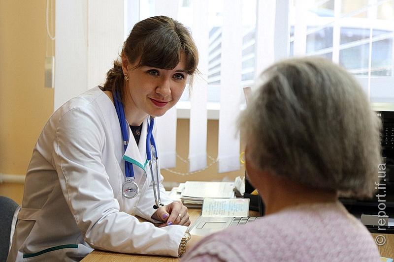 Лікарі рахують декларації. На Прикарпатті договори з Нацслужбою здоров'я підписали 18 клінік