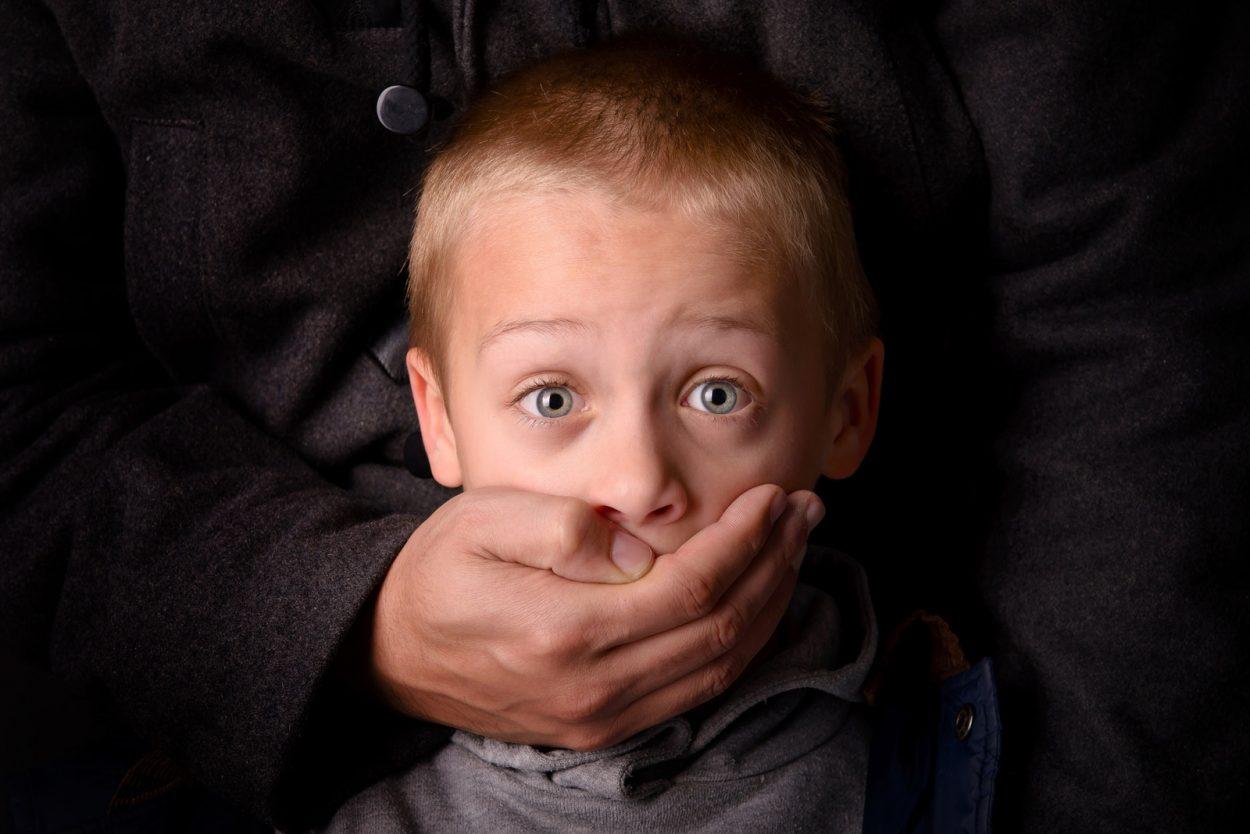 Чи крадуть дітей на Прикарпатті, та що робити, аби цього не сталося