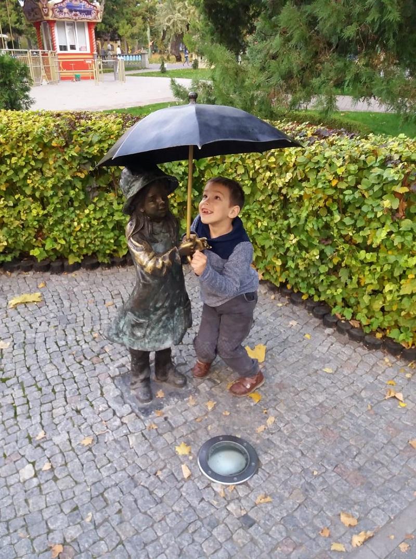 Маленький франківець Ростислав Захарія хоче ходити – дитині треба допомогти грошима