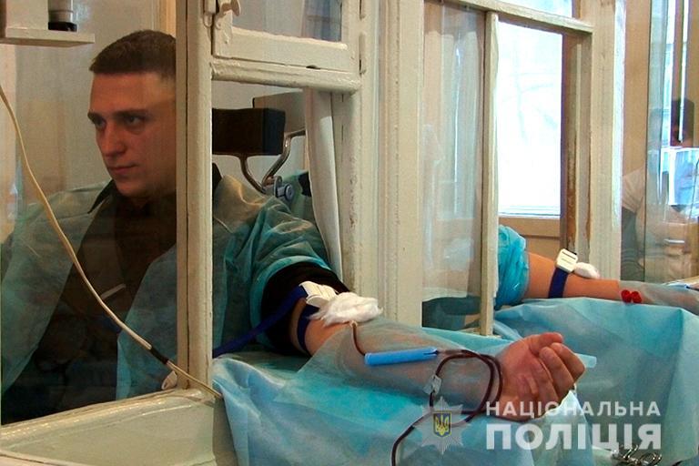 Всіх охочих здати кров для хворих чекають в Івано-Франківській обласній  станції переливання крові на вулиці Степана Бандери 99f5fd49be2e9
