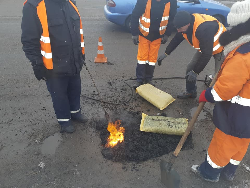 Дороги чекають погоди. Які вулиці у Франківську збираються ремонтувати у 2019-му