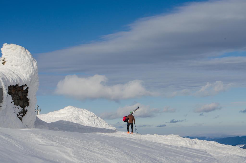 Як зимує Білий Слон. Один день з життя рятувальників на висоті 2028 метрів над рівнем моря (фоторепортаж)