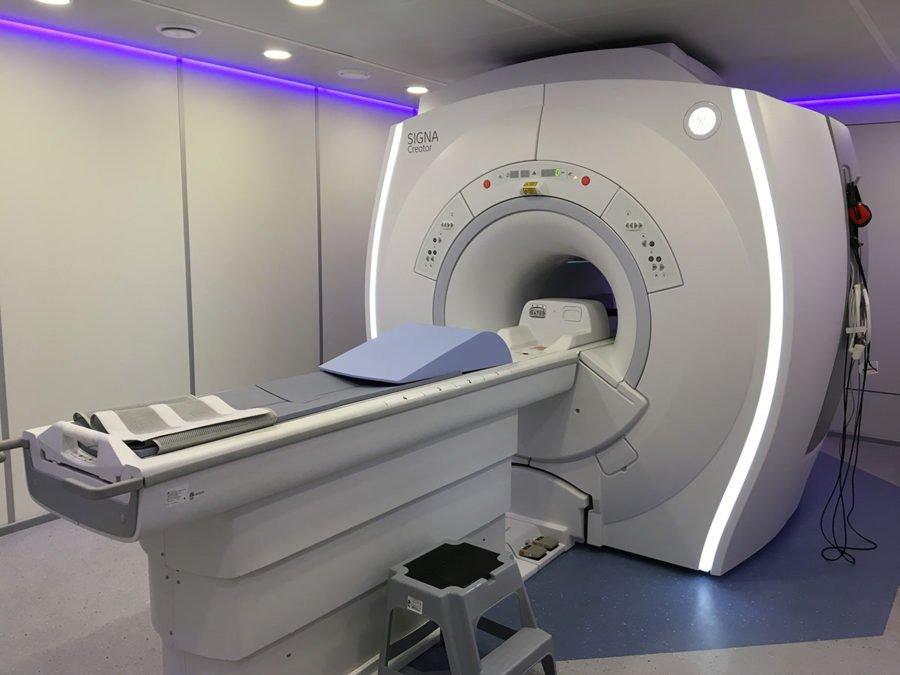 Ціна питання 43 мільйони: для онкологічного центру Прикарпаття потрібен томограф, а чиновники кажуть, що кошти витратять на інші потреби