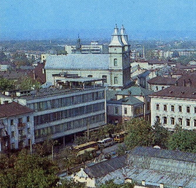 Міські легенди Франківська: Бійка у «Карпатах»