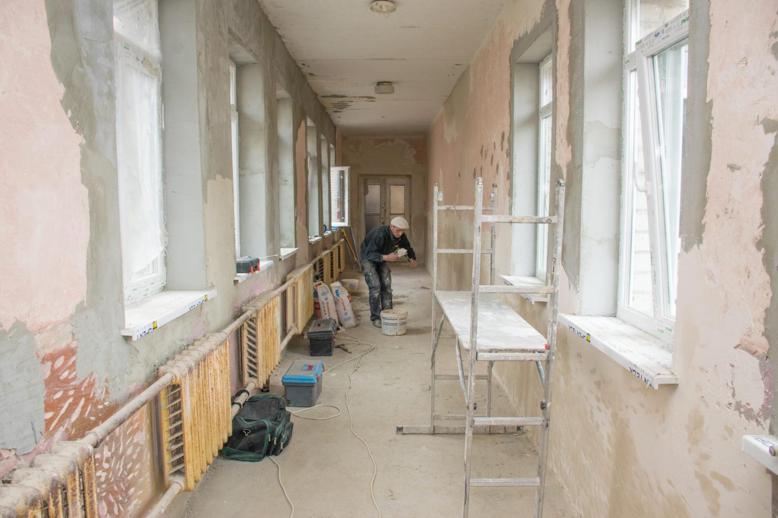 У франківській ЗОШ №2 розпочали реконструкцію спортзалу (відеосюжет)