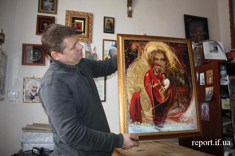 Ікона впливає на майстра. Як у Франківську реставрують старовинні образи (фоторепортаж)