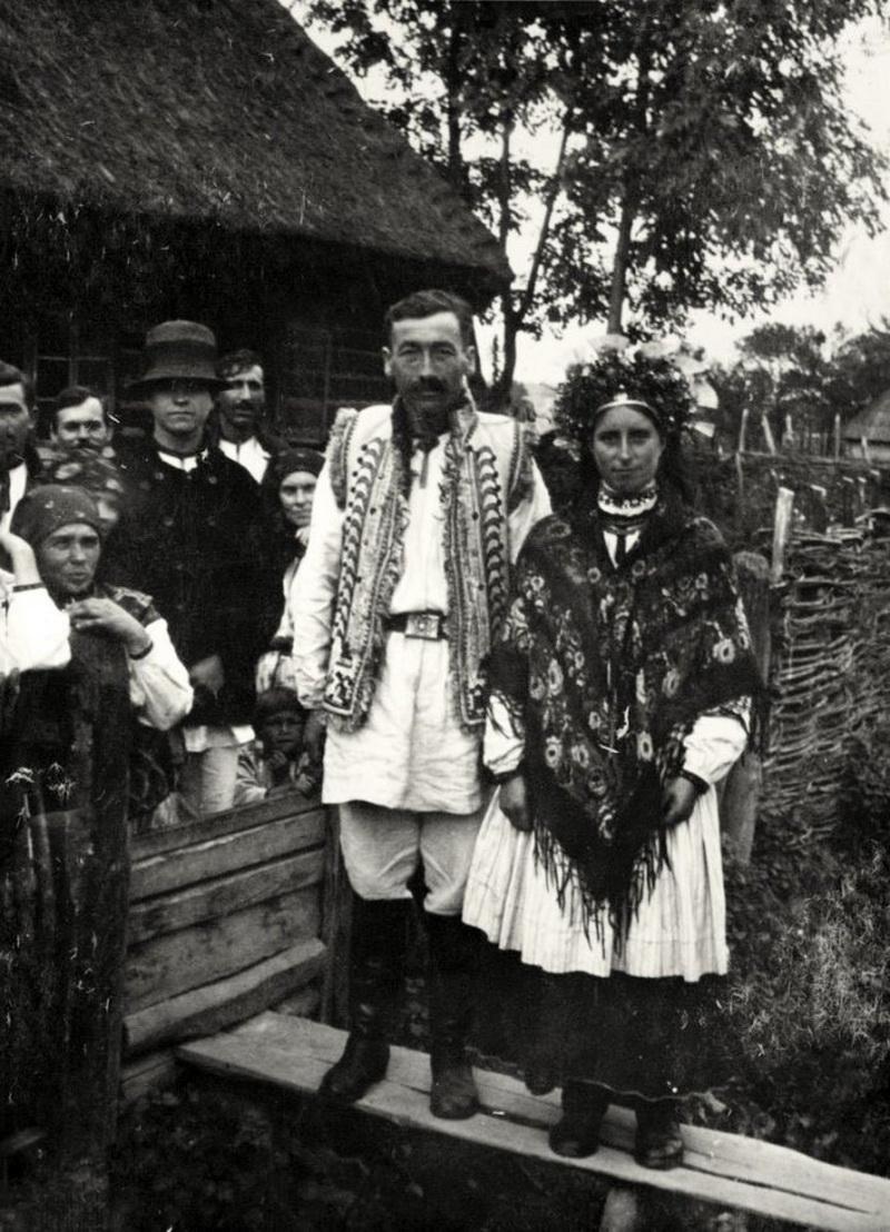 В мережі опублікували досі невідомі фотографії мешканців Коломиї 1930 років (фоторепортаж)