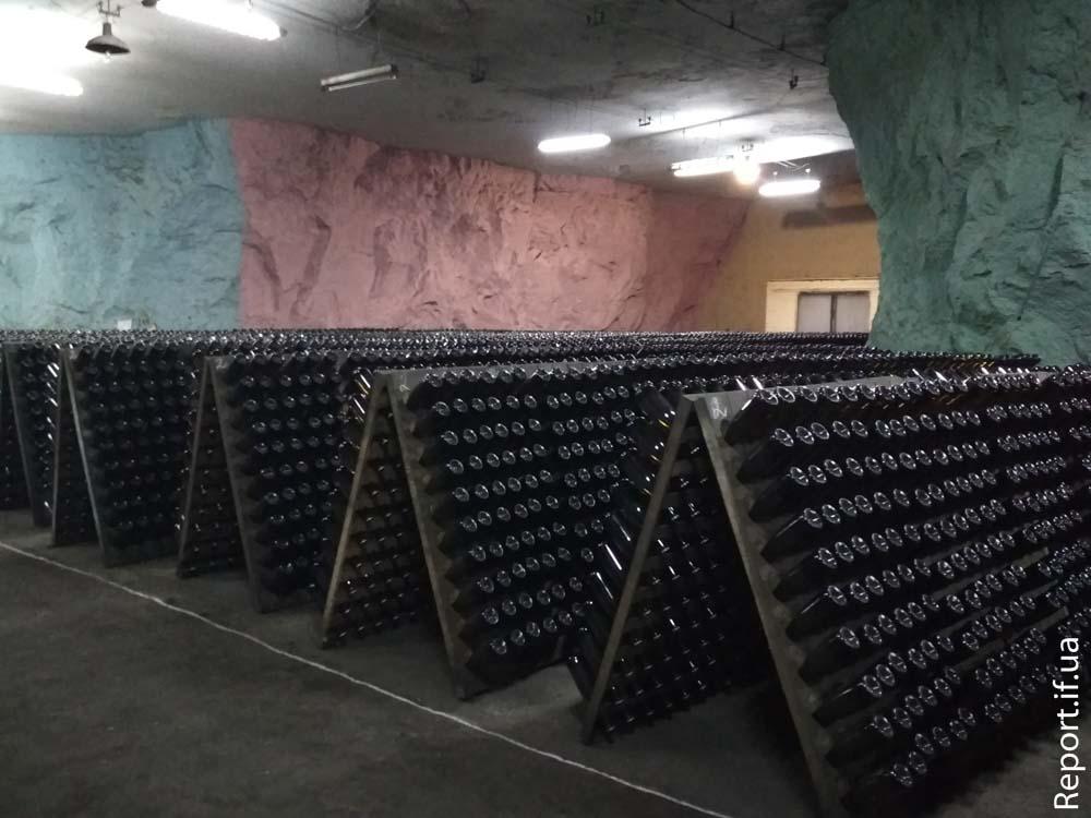 32d8b30ffef0d9 Шампанське з-під землі. Як на Донеччині виробляють знамените ...