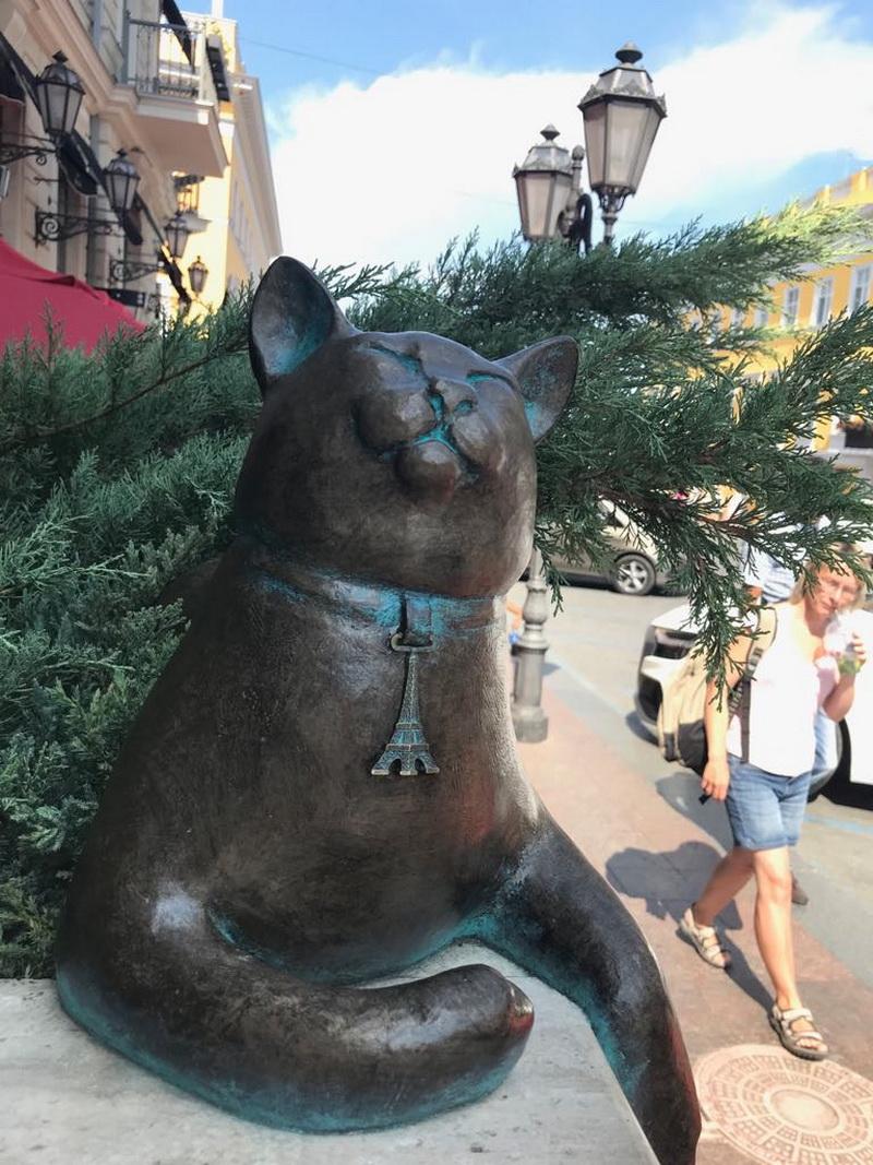 По Одесі за котами. Як франківці шукали скульптури пухнастиків і відкривали місто (ФОТО)