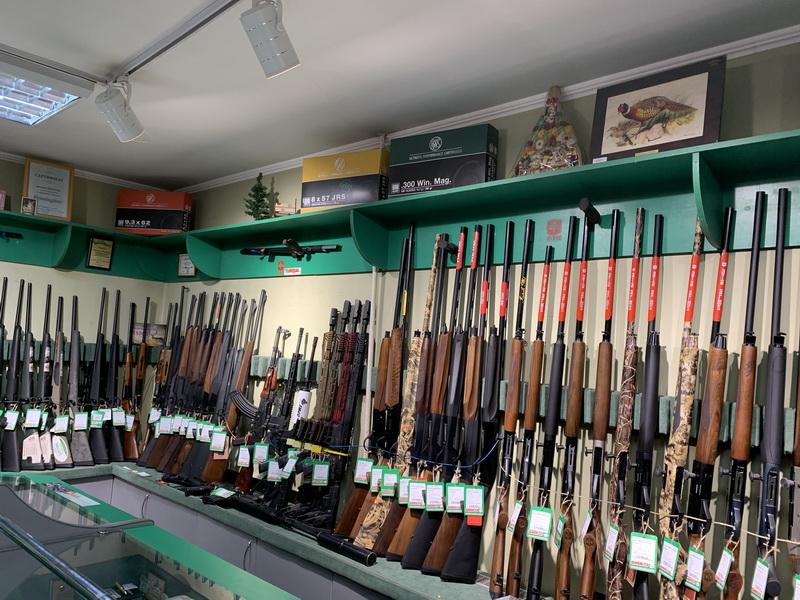 Самі собі захисники. На Прикарпатті значно зменшилися обсяги продажу зброї