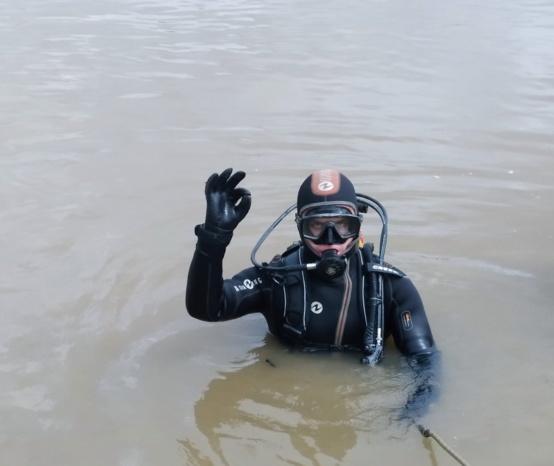 Непроста робота. Як водолази на Прикарпатті шукають потопельників (ФОТО)