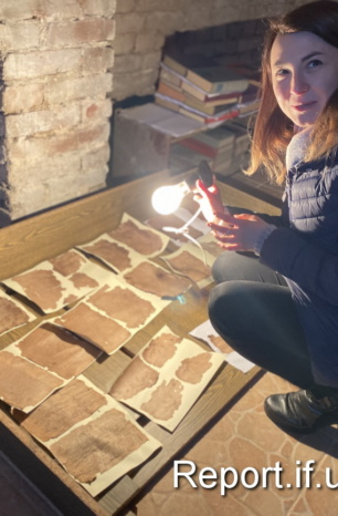 Кислота, ніж, терпіння. Як франківські музейники рятують архіви УПА (ФОТО)
