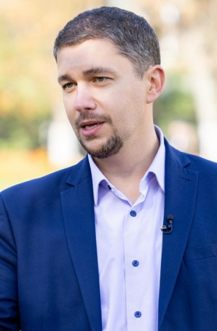 Максим Карпаш: Напівбіг на місці