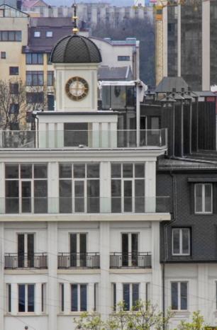 З хворої на здорову: у Франківську знову скандал навколо готелю «Дністер» (ФОТО)