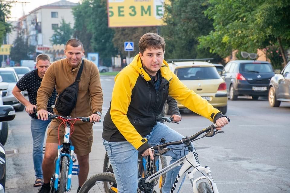 велосипед рогів